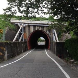 天神川下のトンネル